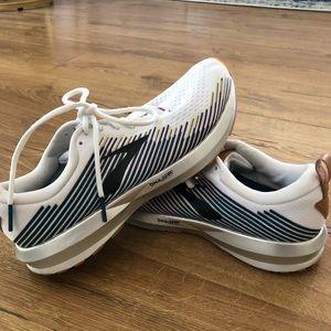 White comfy Brooks Levitate sneakers!